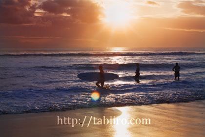 2010,06,04クタビーチの夕陽072.jpg