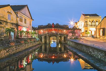 2012,01,30ホイアンの街並夜景042b.jpg