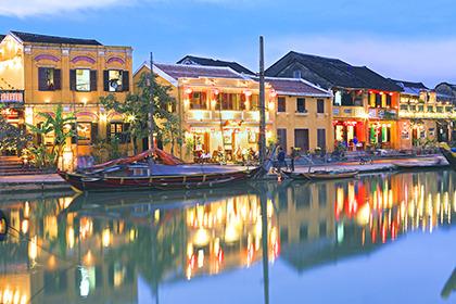 2012,01,31ホイアンの街並夜景023b.jpg