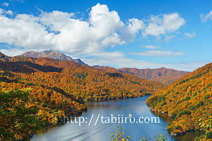 2016,10,19国道352神峰より奥只見湖010a.jpg