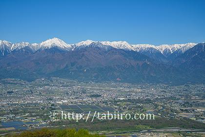 2019,05,08長峰山より安曇野平野越しに常念岳を望む048B.jpg