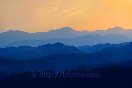 2019,05,12小川村より後立山連峰の夕景を望む013B.jpg