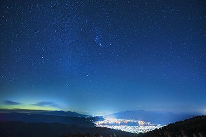 2020,10,25星空の諏訪湖を望むb.jpg