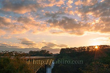 2020,10,26八ヶ岳高原大橋の夕景029b.jpg